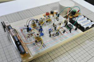ブレッドボードをベースにした実験セット