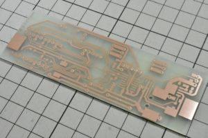 完成した自作電子温湿度計の基板