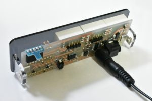 自作電子温湿度計の裏側