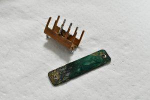 銅端子と銅のプレート