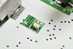 周波数パネルの照明用のLED