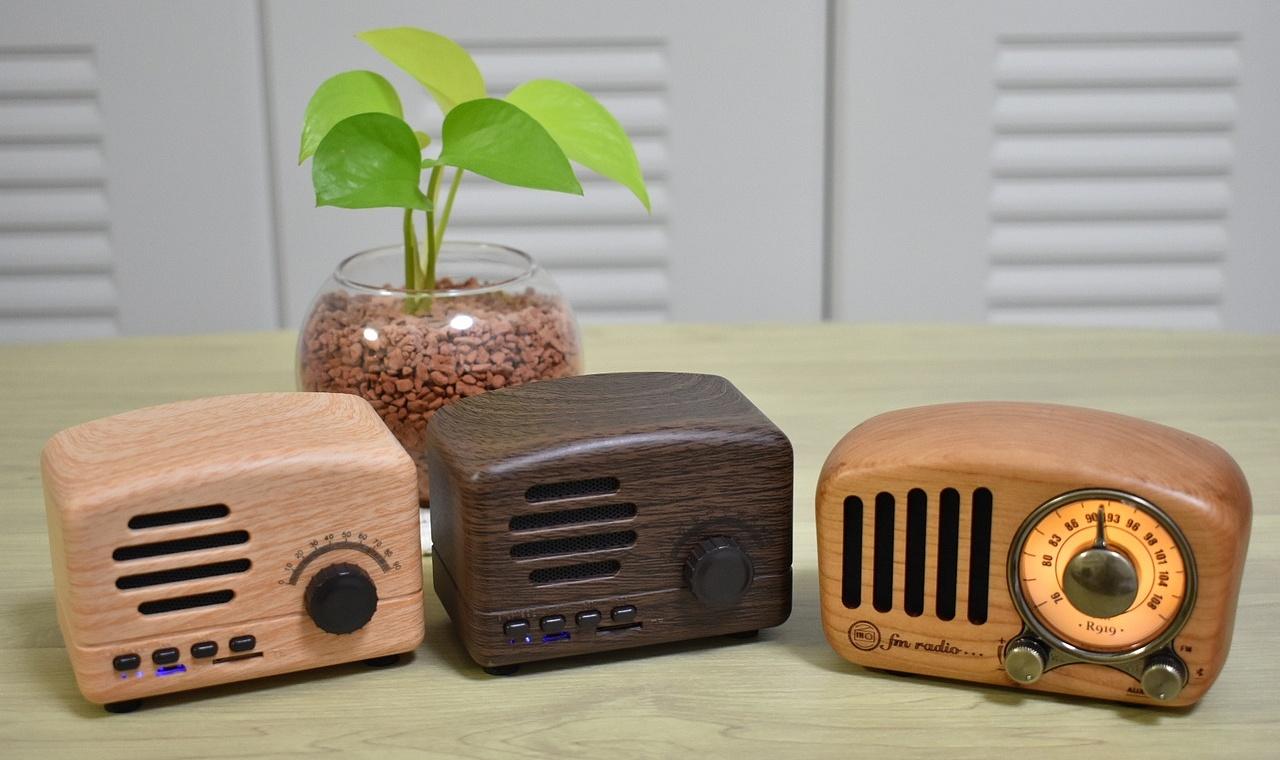 FM/AM DSPラジオの自作!レトロ風ケースがポイント